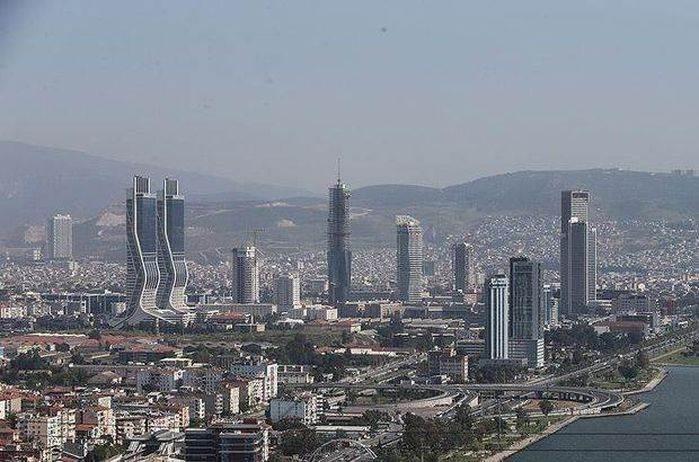 İzmir emlak ve nakliyat sektörü